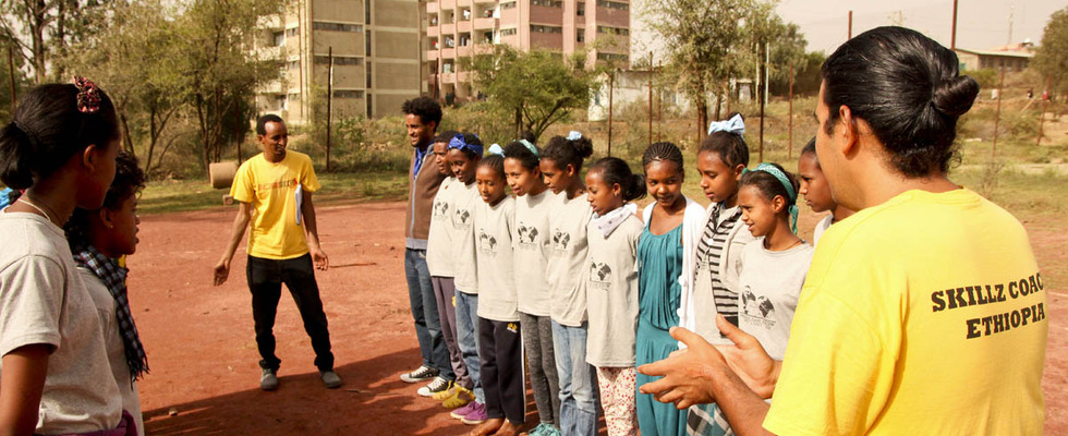 Grs_-_find_the_ball_activity_-_at_mekele_camp_glow_2014
